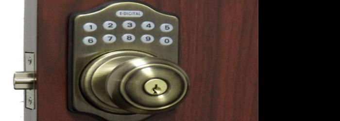 atvērt durvis - durvju atvēršana